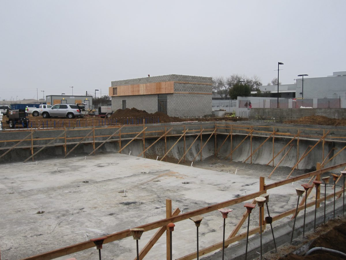 Corner view of pool construction 1/15
